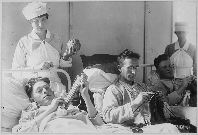 la patul pacientului