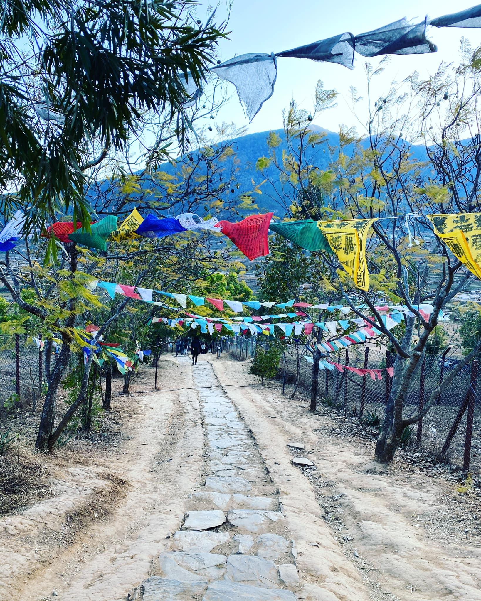 Stegulețele cu rugăciuni din Bhutan