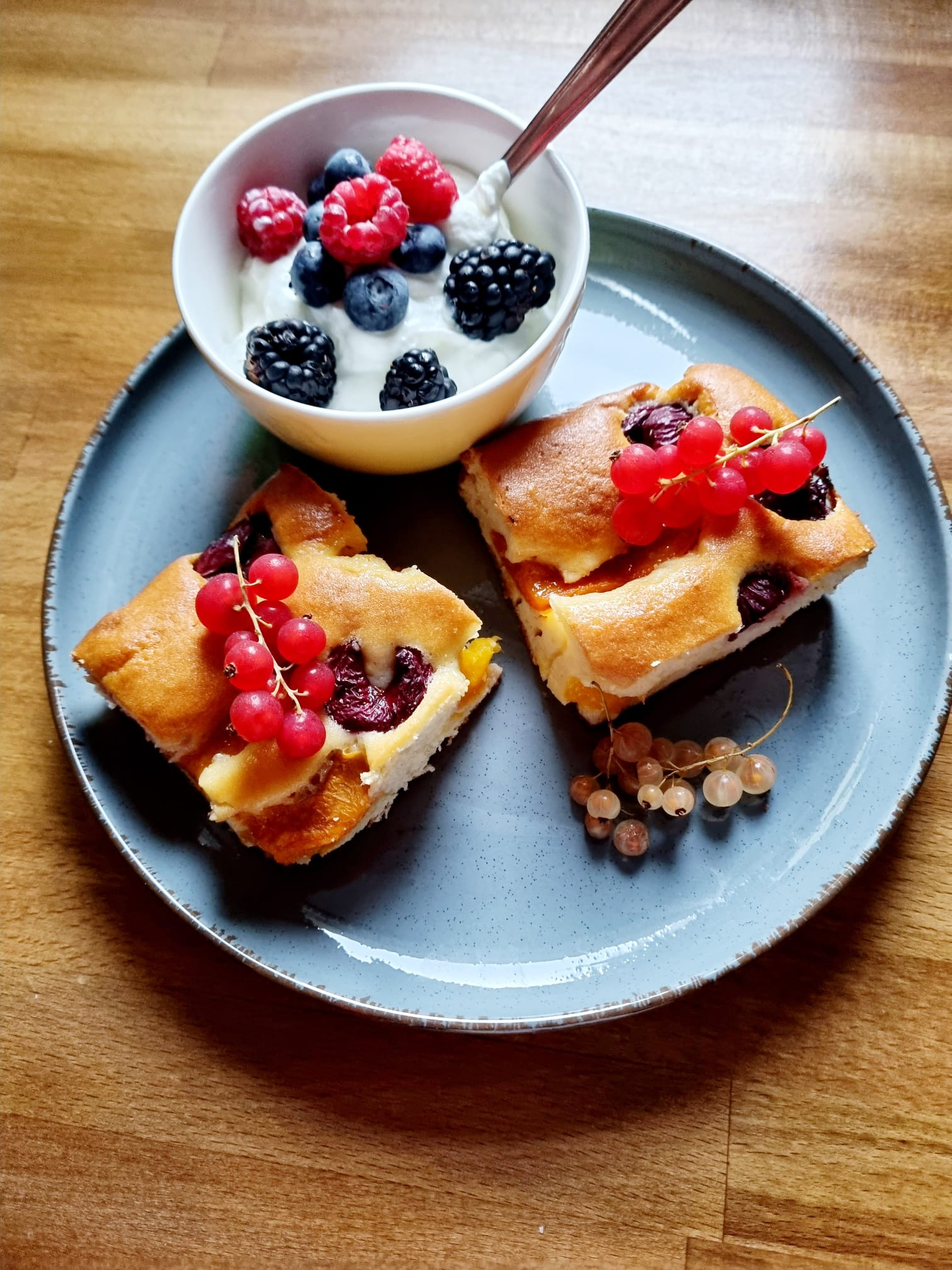Prăjitură cu fructe – desert mai sănatos
