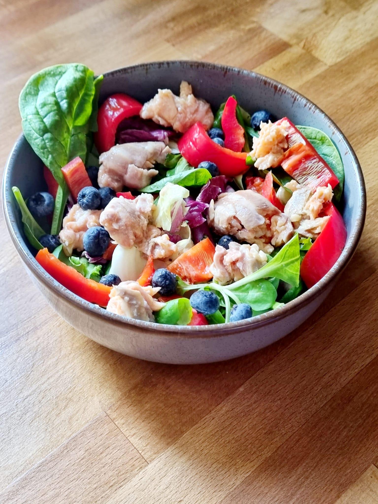 Cină sănătoasă- salată de ton